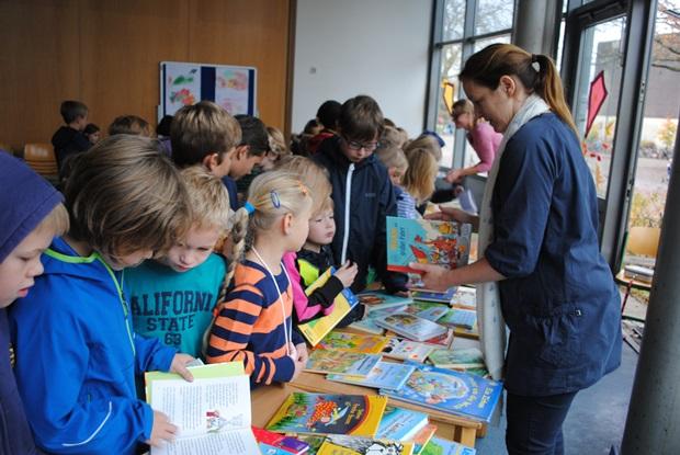 Bücherflohmarkt 2014 1